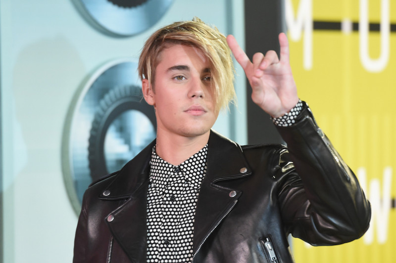 LOS ANGELES, CA - AUGUST 30: Singer Justin Bieber attends the 2015 MTV Video Music Awards at Microsoft Theater on August 30, 2015 in Los Angeles, California. (Photo by Jason Merritt/Getty Images)
