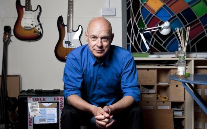 Brian Eno annuncia