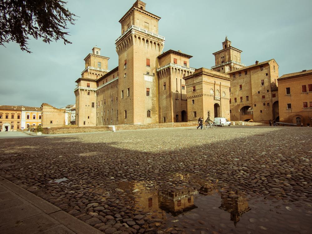 piazza castello ferrar