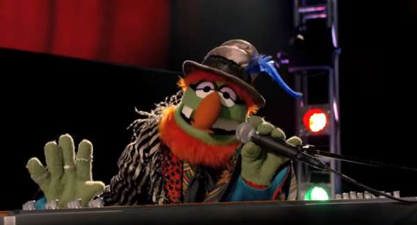2015-12-26-13_48_04-Kodachrome-_-Muppets-Music-Video-_-The-Muppets-YouTube-600x324