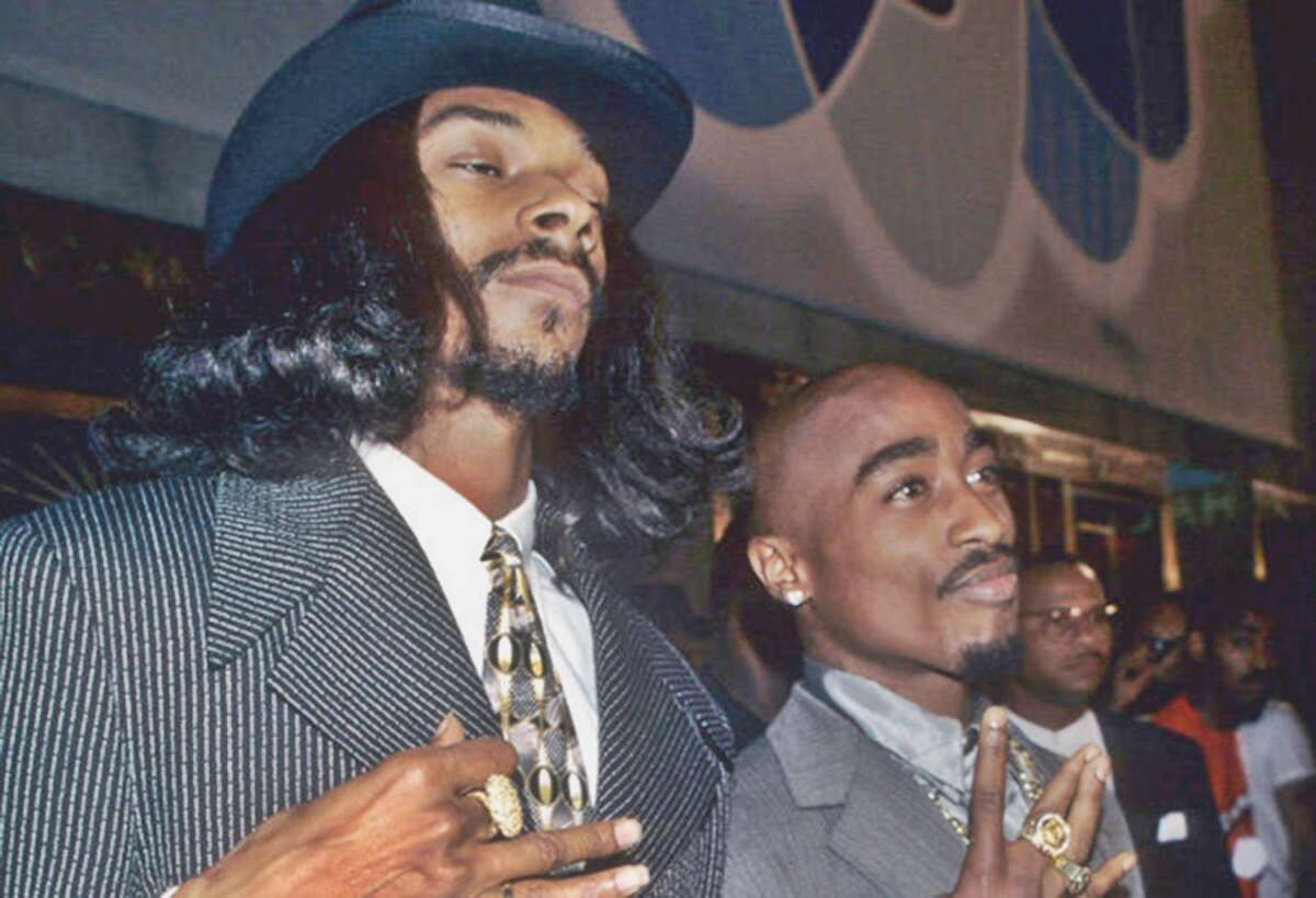 Tupac Entra Nella Rock And Roll Hall Of Fame Snoop Dogg