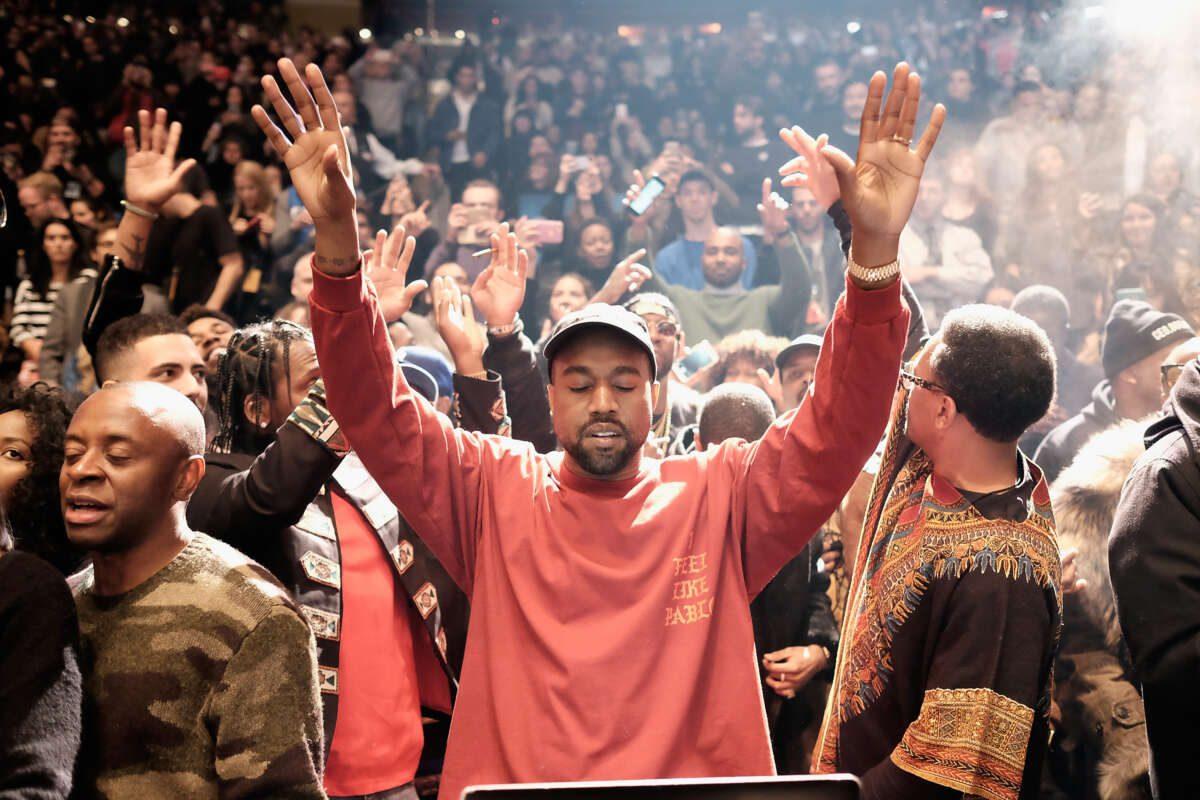 Il Merch Di The Life Of Pablo Di Kanye West Nominato