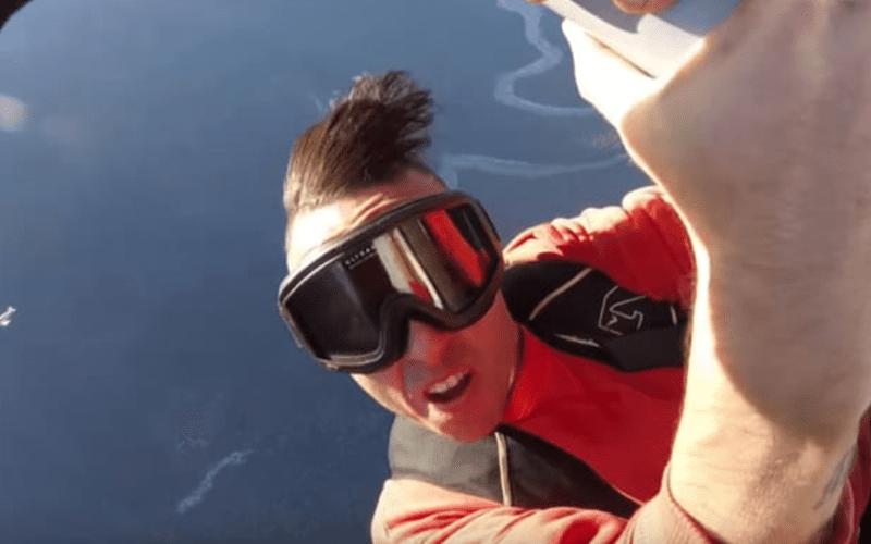 Girava un video sull'ala di un aereo, muore rapper canadese