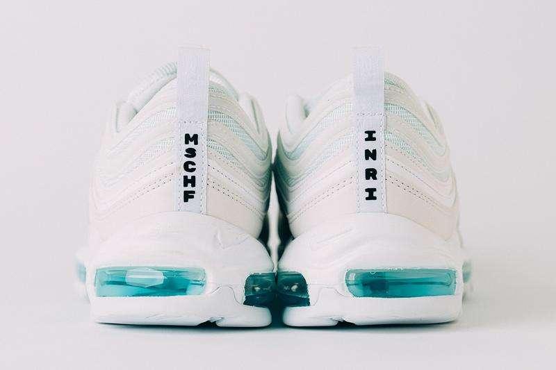 Nike Jesus, ecco le scarpe con il crocifisso e l'acqua santa
